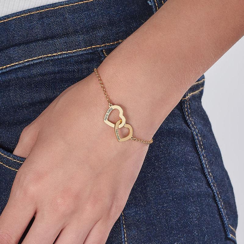 Sammenflettet hjerte armbånd med indgravering i guld vermeil - 2