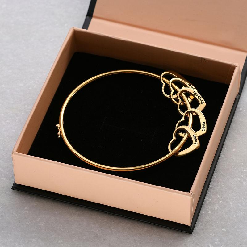 Bangle armbånd med hjerteformede charms - guldbelagt - 5