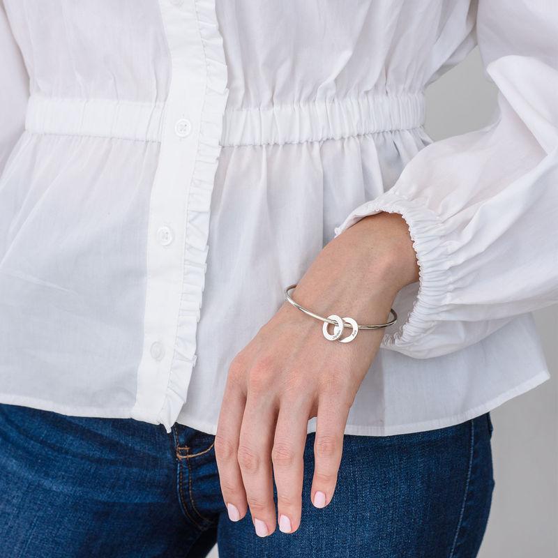 Bangle armbånd med cirkelformede charms - sølv - 2