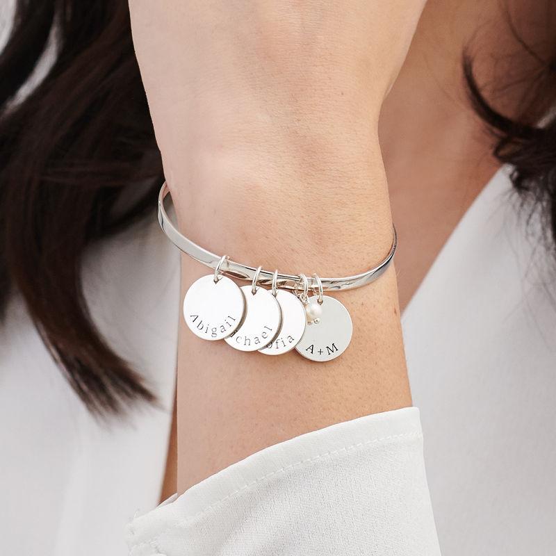 Bangle armbånd med vedhæng med navn i sølv - 2