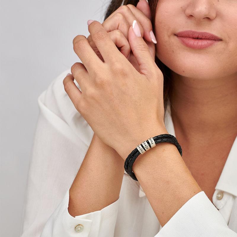 Læderarmbånd til kvinder med små ringe med indgravering i sølv - 1