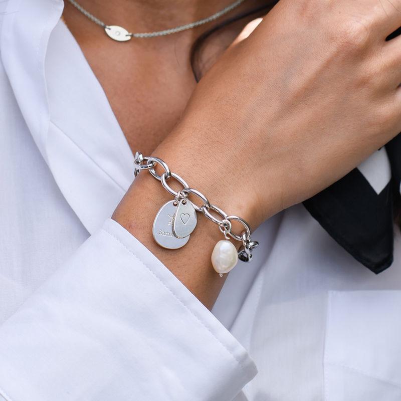 Personligt link armbånd med runde links oggraverede charms i Sterlingsølv - 1