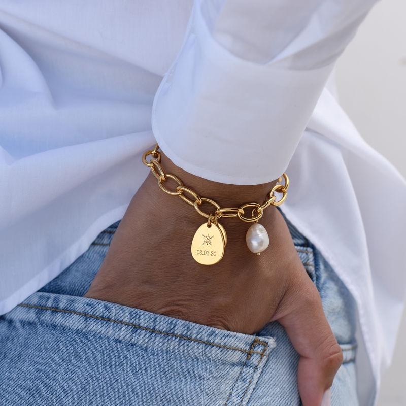 Personligt link armbånd med runde links og graverede charms i 18kt.guld vermeil - 3