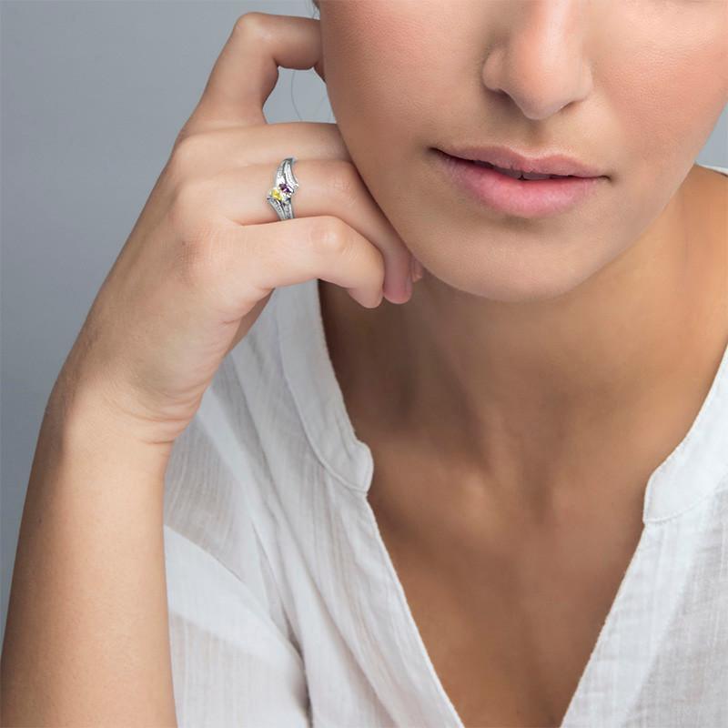 Personlig ring med indgravering og to fødselssten i sølv - 2