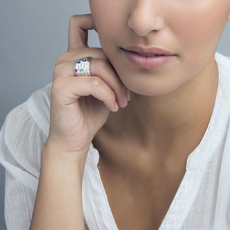 Indgraveret ring til mor med fem fødselssten i sølv - 1