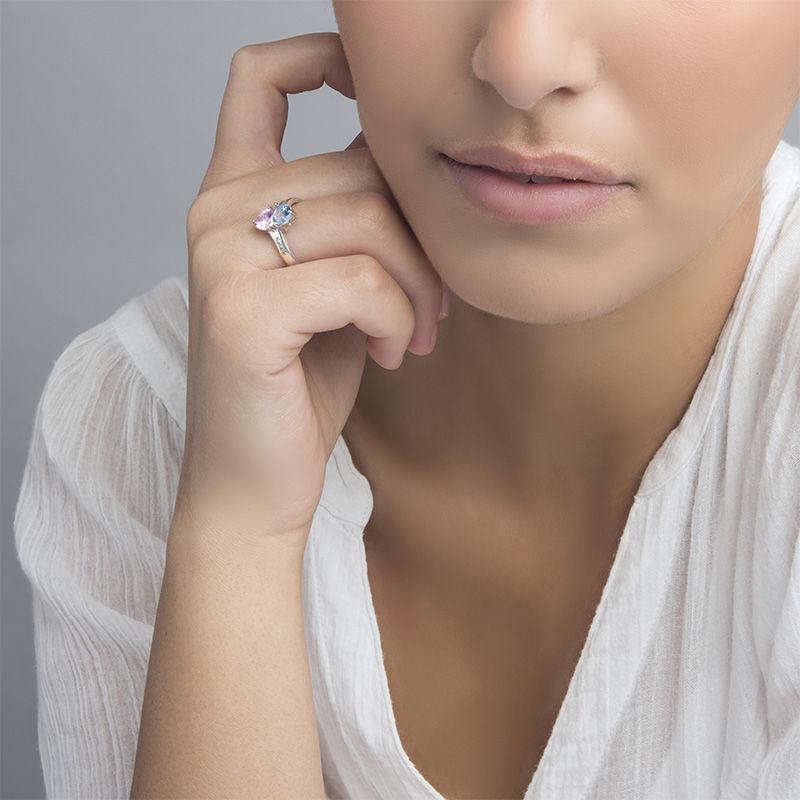 Indgraveret ring med hjerteformede fødselssten i sølv - 2