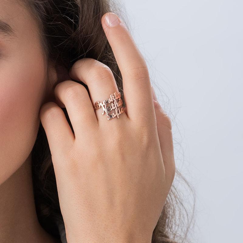 Ring med tre navne i rosaforgyldt sølv - 2
