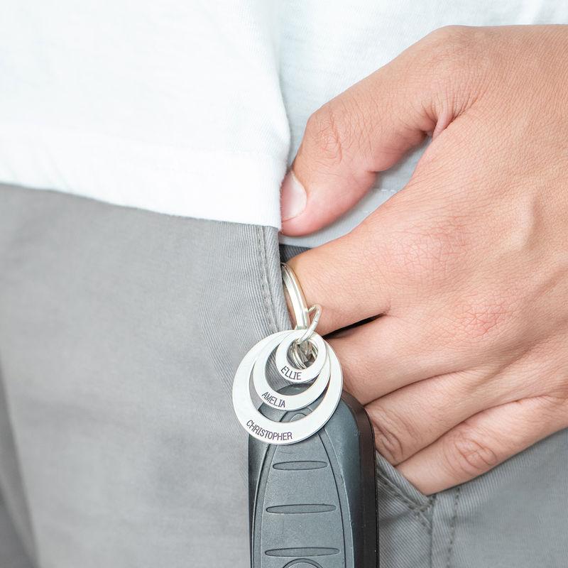 Indgraveret nøglering med tre cirkler i sølv - 1