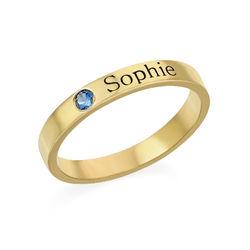 Stabelbar ring med navn og månedssten - 18 karat forgyldt sølv produkt billede