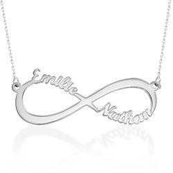 Infinity halskæde med navn i 10 karat hvidguld produkt billede