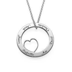 Ingraveret familie halskæde med hjerte i sølv produkt billede