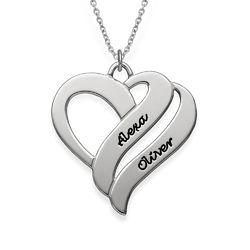 To hjerter banker som èt-halskæde med gravering i sølv produkt billede