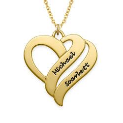 To hjerter banker som èt-halskæde med gravering i forgyldt sølv produkt billede