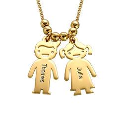 Mors halskæde med graverede børne-charms i guld vermeil produkt billede