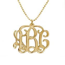 Monogram halskæde med initialer i forgyldt sølv produkt billede