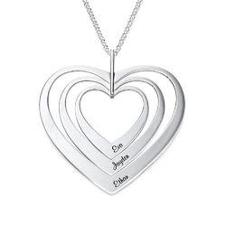 Hjerteformet familiehalskæde med navne i sølv product photo