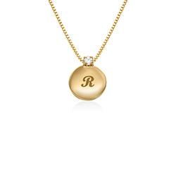 Lille cirkel halskæde med diamant & bogstav - forgyldt produkt billede