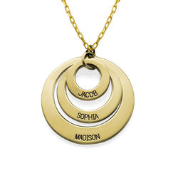 Morsmykke med tre cirkler og indgravering i 10 karat guld produkt billede