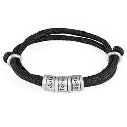 Herre armbånd med sort snor og graverede sølvringe produkt billede