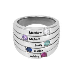 Indgraveret ring til mor med fem fødselssten i sølv produkt billede