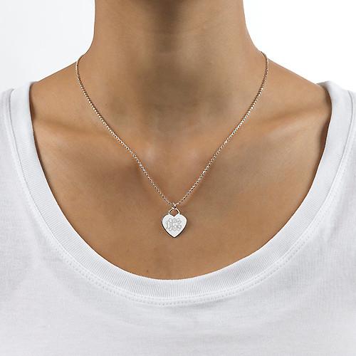 Graveret hjertesmykke i sølv med monogram - 1