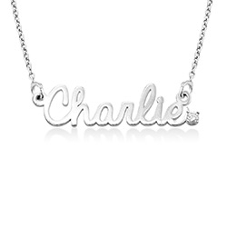 Kursiv halskæde med diamant og navn i sterlingsølv product photo