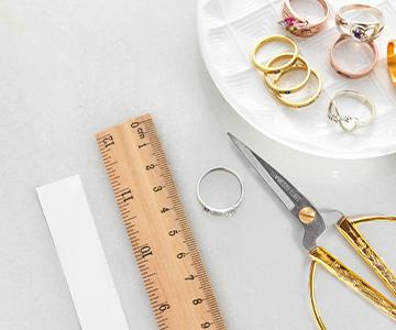 Sådan finder du sin ringstørrelse