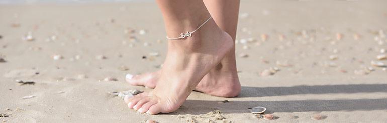SÆT FØDDERNE FRI - Den ultimative sommer guide til dine smukke fødder