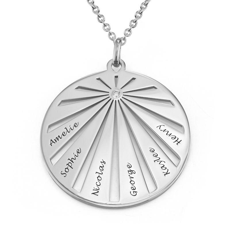 Medalla grabada de la familia con diamante en plata 925 foto de producto
