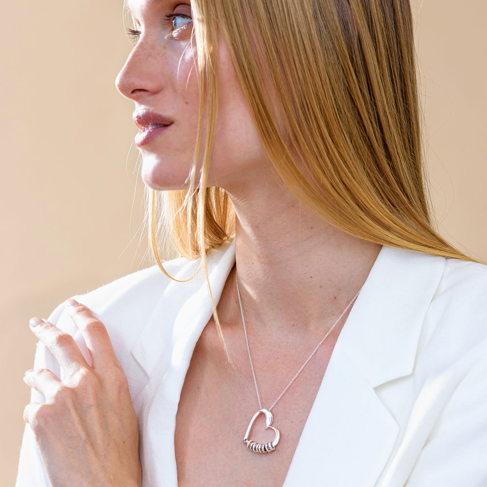 Hopeinen sydänriipus kaulakoru kaiverretuilla helmillä - 5
