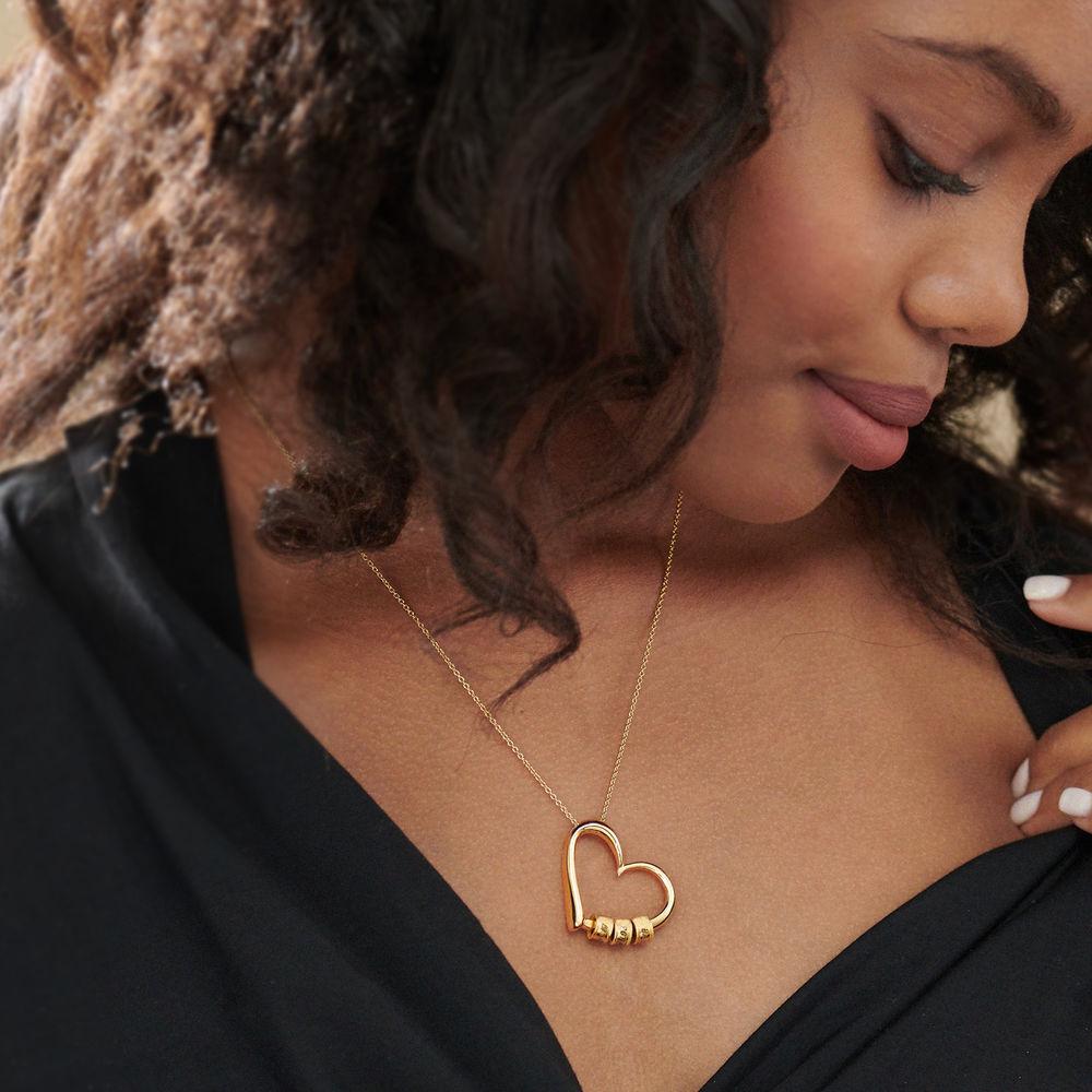 Kultainen sydänriipus kaulakoru kaiverretuilla helmillä - 5