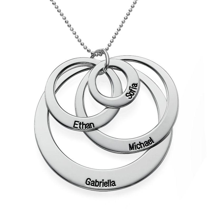 Collier quatre cercles gravés en or blanc 10 carats - 1