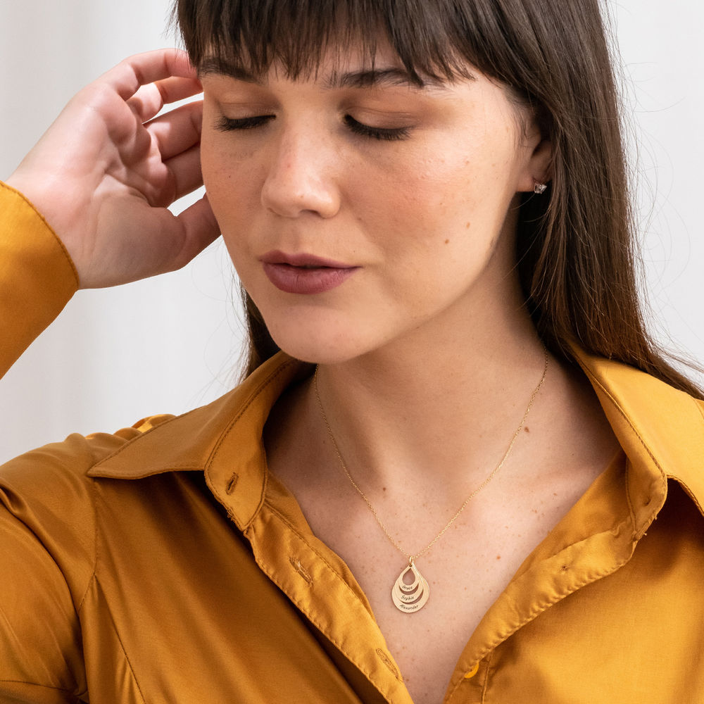 Collier Famille à graver - Modèle goutte Or jaune 10cts - 4