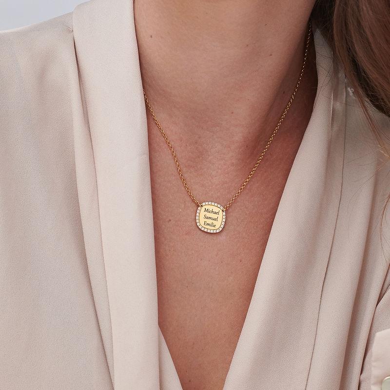 Collier Medaille Carré Gravé avec Zircone Cubique en Plaqué Or - 2