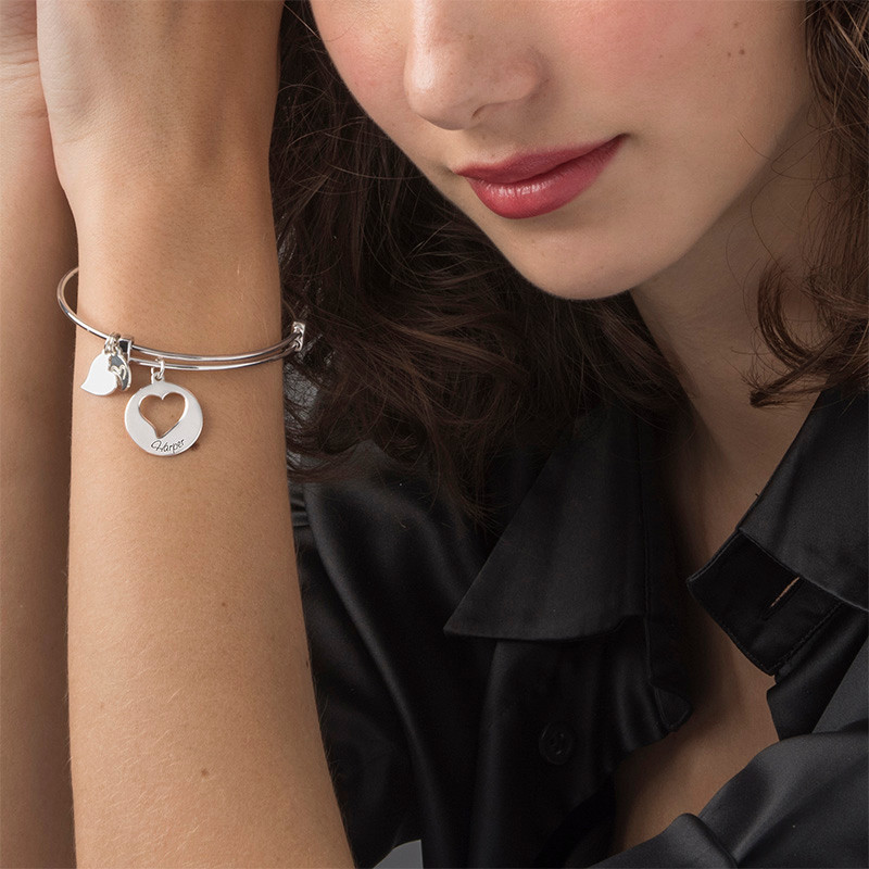"Bracelet Jonc avec Charm ""Coeur"" - 1"