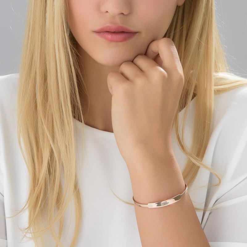 Bracelet Jonc prénom ouvert en plaqué or rose - 1