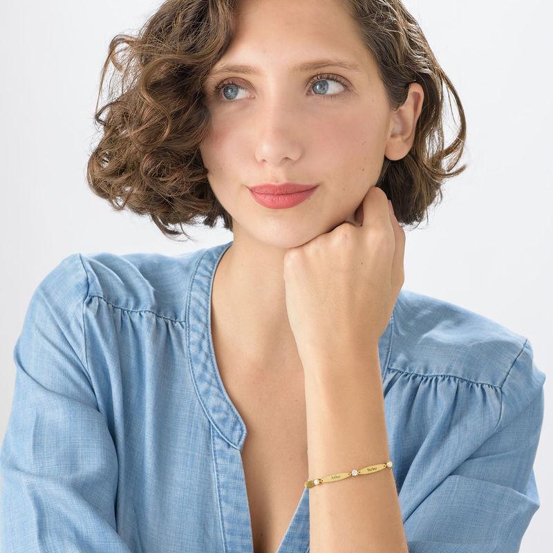 Bracelet maman gravé avec cubes de zirconium en plaqué or - 2