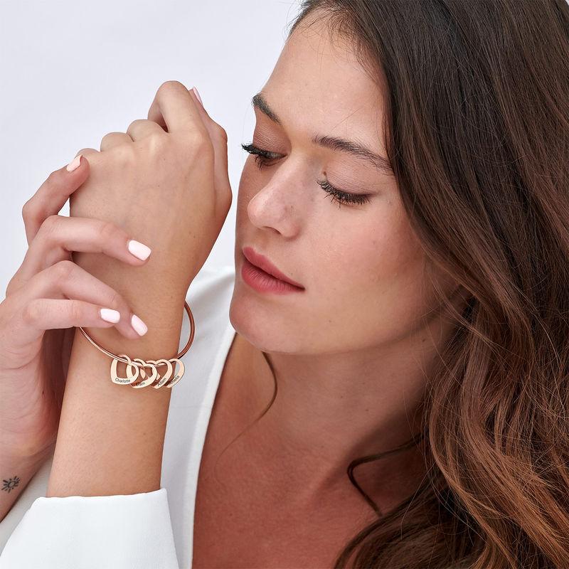 Bracelet jonc avec pendentifs cœur en plaqué or rose - 3