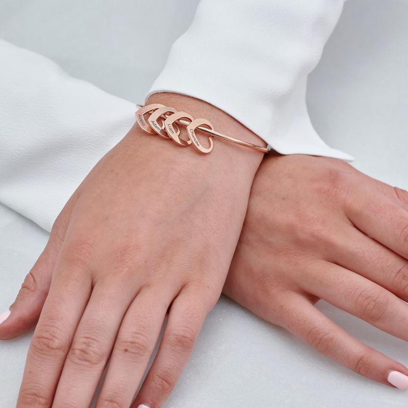 Bracelet jonc avec pendentifs cœur en plaqué or rose - 4
