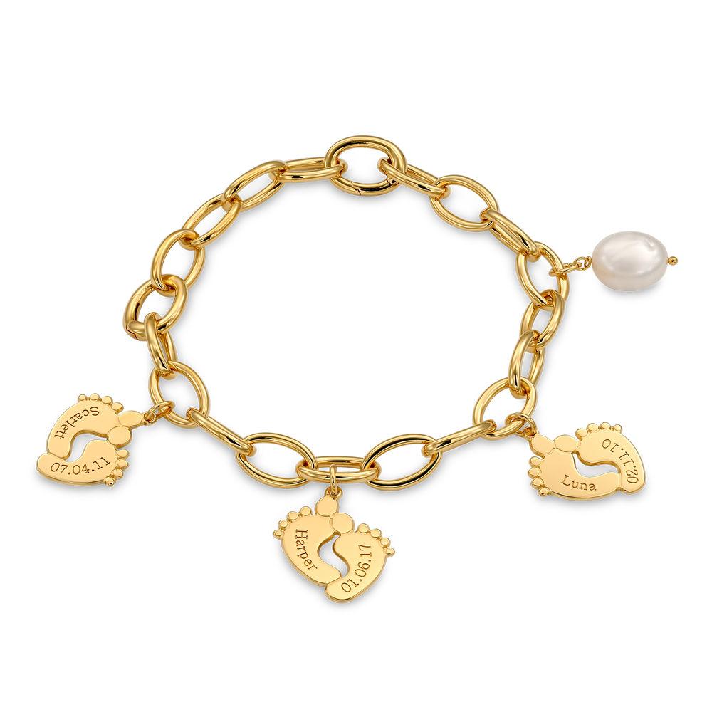 Bracelet maman avec breloques pieds de bébé en plaqué or - 1