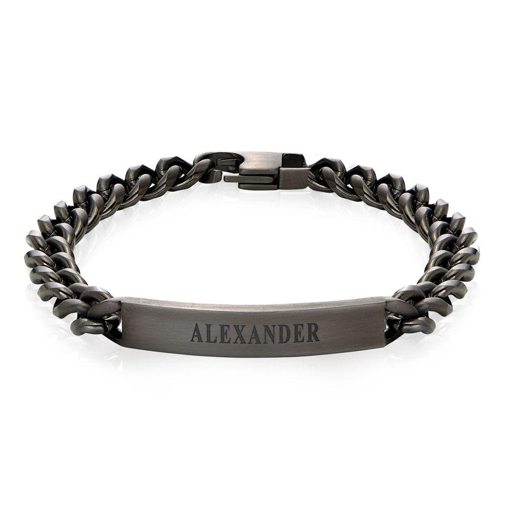 Bracelet d'identification pour homme en acier inoxydable noir.