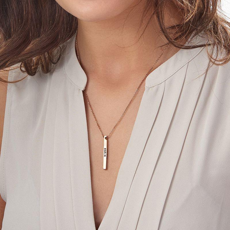 Collier avec barre gravée des 4 côtés en plaqué or rose - 4