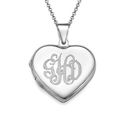 Collier pendentif Cœur porte-photo Monogramme en argent product photo
