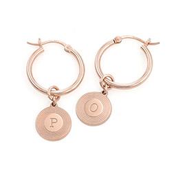 Boucles d'Oreille Odeion en plaqué or rose 18 carats avec Initiale photo du produit