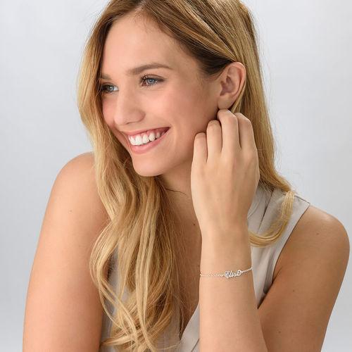 """Petit bracelet prénom style """"Carrie"""" en argent - 1"""