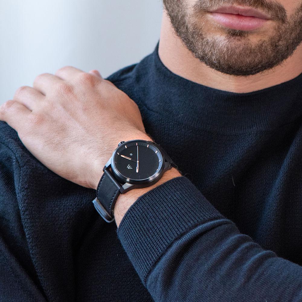 Odysseus Day Date Minimalist Leather Strap Watch in Black - 6