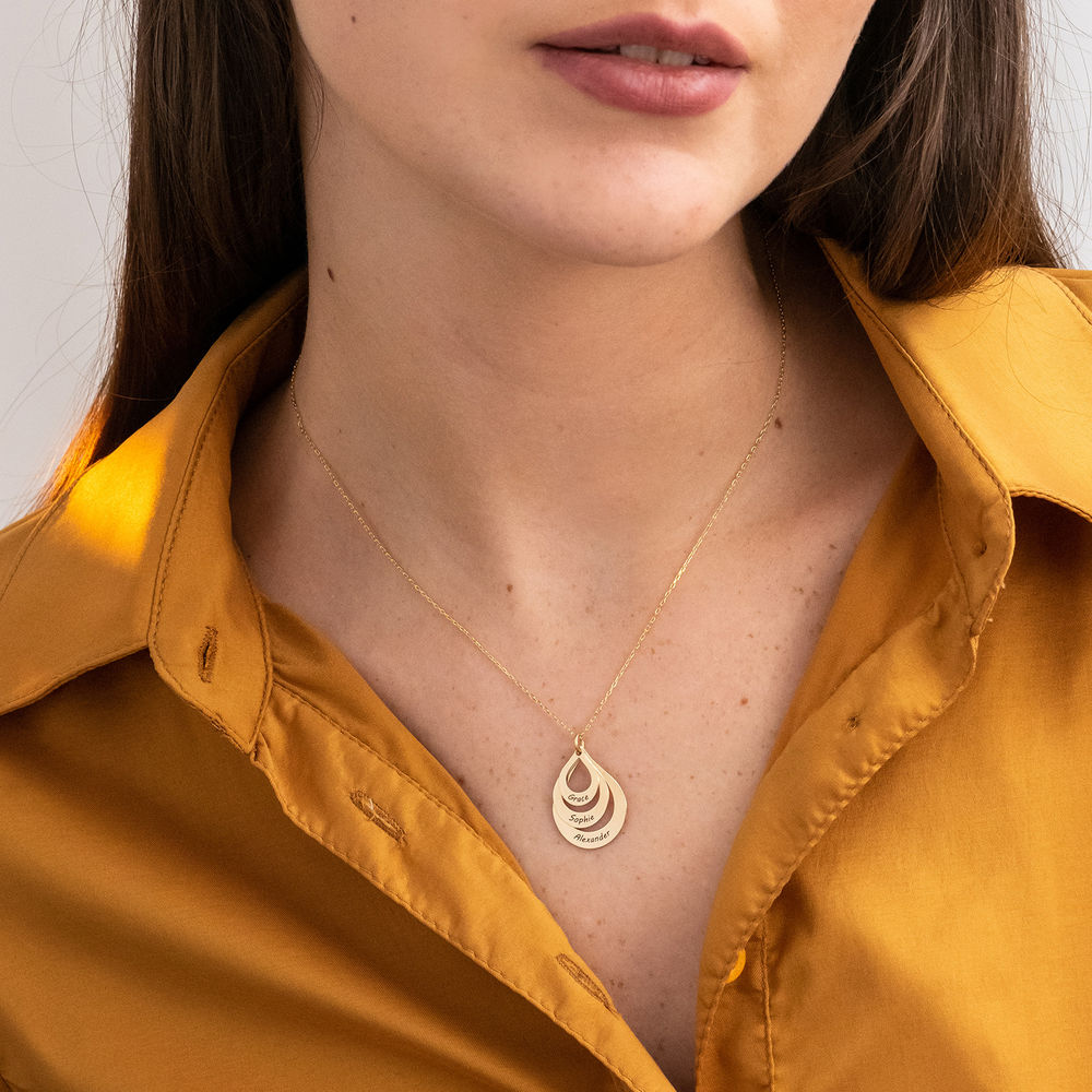 Engraved Family Necklace Drop Shaped in Gold 10K - 3