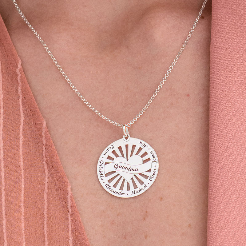Grandma Circle Pendant Necklace with Engraving in Sterling Silver - 4