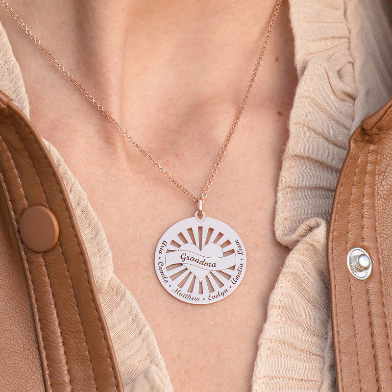 Grandma Circle Pendant Necklace with Engraving in 18K Rose Gold Plating - 4