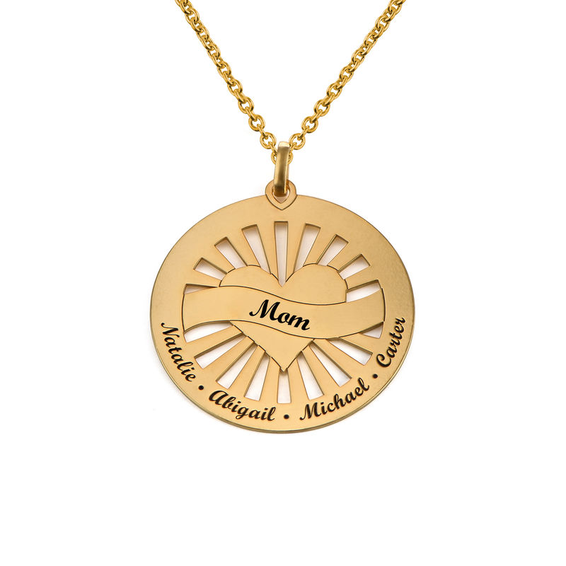Grandma Circle Pendant Necklace with Engraving in 18K Gold Vermeil